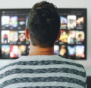 YouTubeプレミアムで動画の広告が削除!今後もYouTubeで収益化は可能なのか?